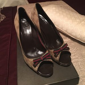 Gucci beautiful shoes heels